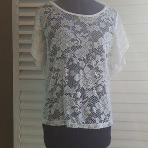 🌺2/$15🌺 Dex lace front cream coloured t-shirt.